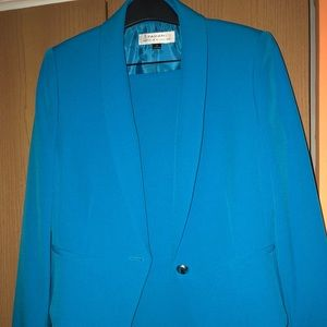Tahari brand new skirt suit Sz. 6